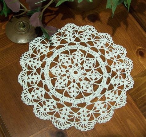 free patterns using crochet thread free thread crochet christmas doily patterns easy