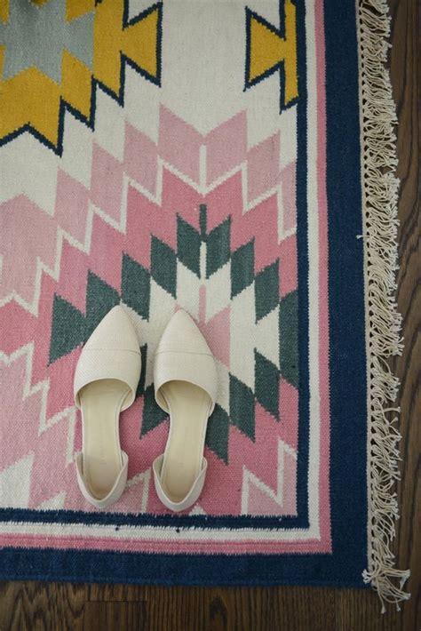 painted desert rug lulu s painted desert rug luluandgeorgia foot
