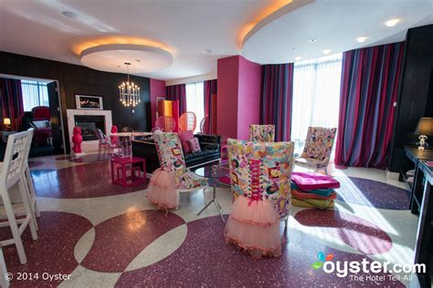las vegas themed hotel yup this entire hotel room is covered in barbies oyster com
