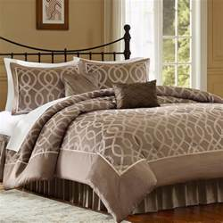 Comforters And Quilts by Comforters