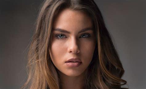 wallpaper model blue eyes face portrait woman open