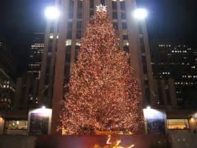 nyc rockefeller center christmas tree goes green