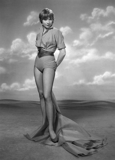 shirley maclaine  los  anos vintage ladies shirley maclaine actors actresses female
