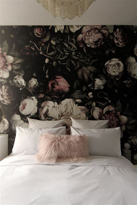 black pattern wallpaper bedroom best 25 floral wallpapers ideas on pinterest