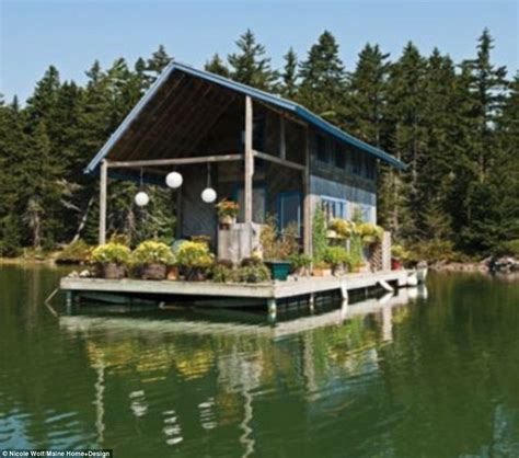 Dream Home Builder by Maine Couple Shares 240 Square Foot Floating Cabin Daily