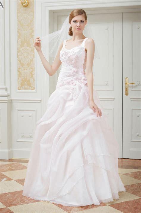Hochzeitskleid Rosa Kurz by Ma 223 Geschneidertes Hochzeitskleid Rosa Mit Tr 228 Gern