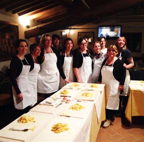 scuola di cucina siena corsi di cucina toscana a castel di pugna a siena