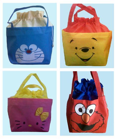 Tas Souvenir Goodie Bag Ultah Kantong Banner Unik 2 tas souvenir ulang tahun anak tas spunbond kartun goodie