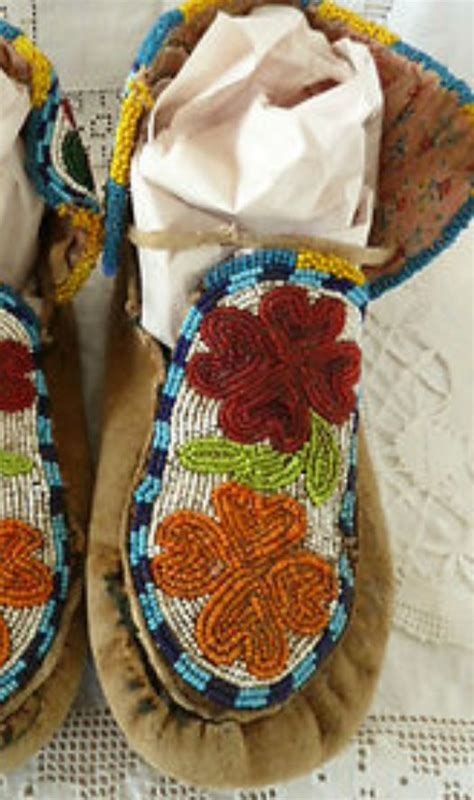 beaded moccasin tops 122 best images about moccasins on iroquois