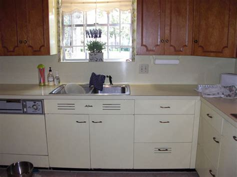 st charles kitchen cabinets retro design ideas for cathy s yellow and maple st