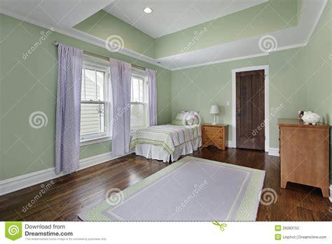pareti verdi da letto da letto con le pareti verdi fotografia stock