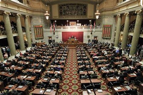 missouri house of representatives mo house overrides governor s redistricting veto st louis public radio