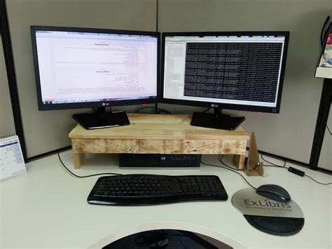 Pallet Monitor Stand Makes Desks More Ergonomic 1001 Pallets How To Make A Computer Desk Out Of Wood