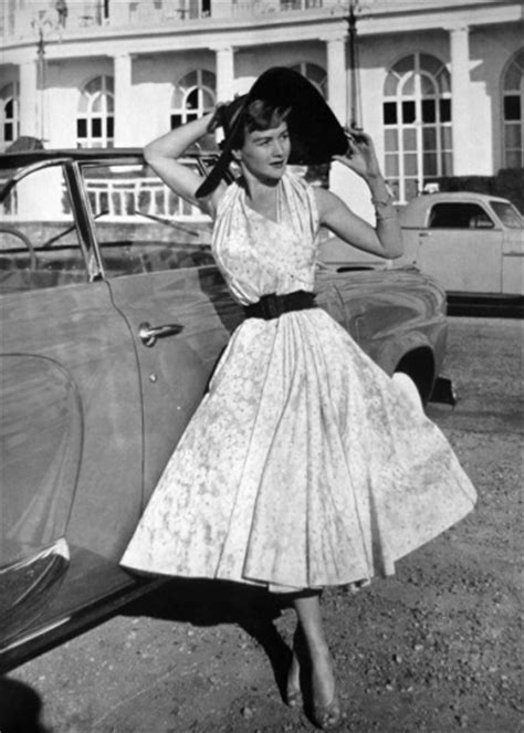 style of clothes for woman in there 50s women s fashion fashion of the 50s