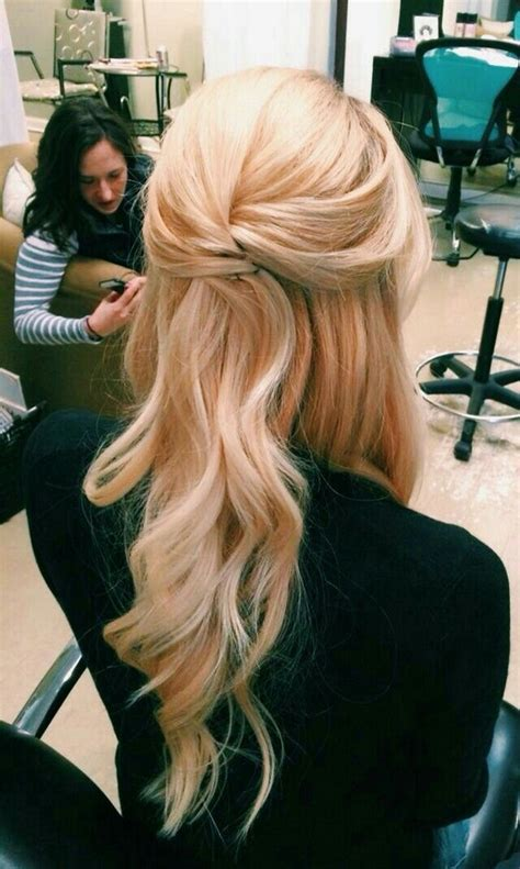 Half Up Half Hairstyles For Wedding by 15 Chic Half Up Half Wedding Hairstyles For Hair