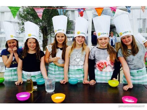 bij lies in de keuken kinderen koken in de wei prinsenbeeknieuws