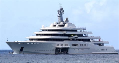 yacht abramovich interni chelsea owner abramovich throws new year s bash with