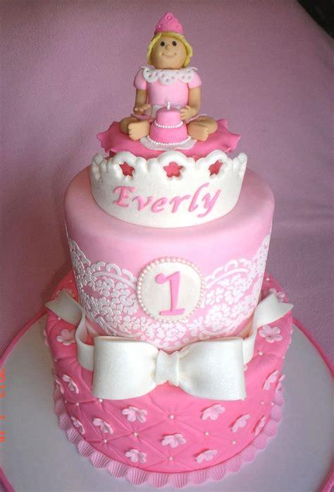 images   birthday cakes  pinterest baby girl st birthday cakes  jungles
