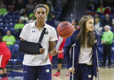 Contest Alert Shoulders And Cosmopolitan Magazines Turner Of The Year Contest by Notre Dame S Turner Out Several Weeks With Injured