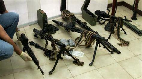 armi fatte in casa girava armato di fucile in cerca di pistole e munizioni