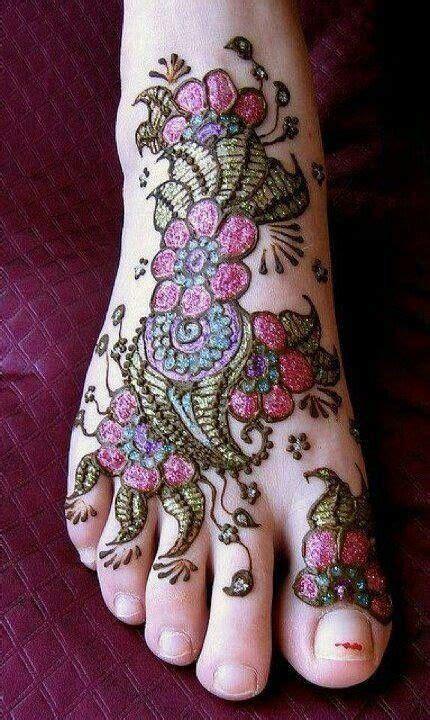 tattoo needle hitting bone 109 best henna and glitter tattoos images on pinterest