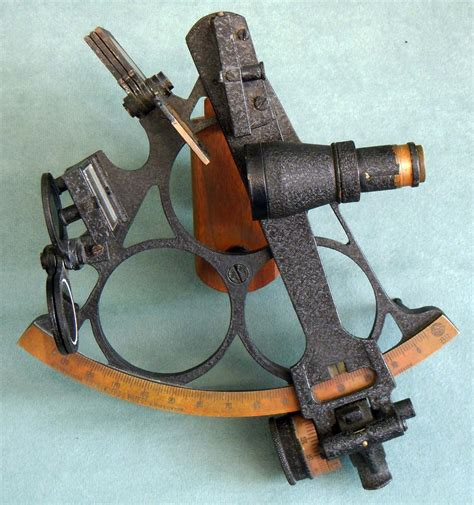 sextant instrument used in sextant
