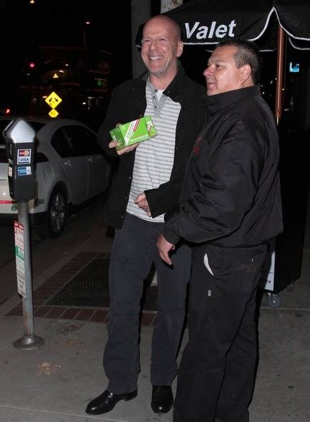 Is Bruce Willis Going Out With by Bruce Willis Out To Dinner In Brentwood Zimbio