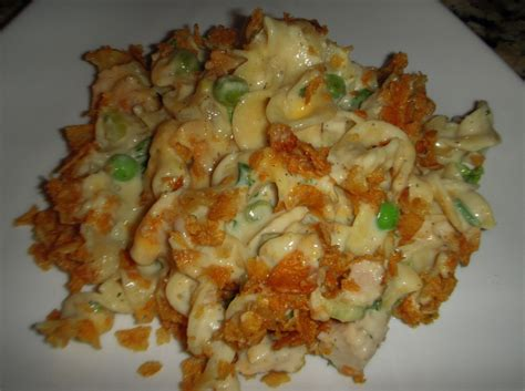 the best cheesy tuna noodle casserole recipe fabfoodies