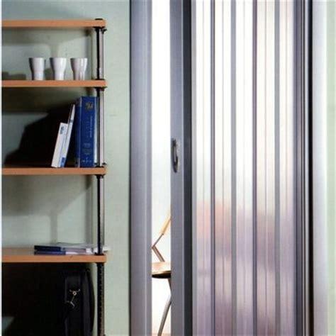 porte trasparenti installare porta a soffietto su misura con pannelli