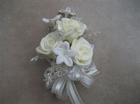 bridal shower corsage ideas 17 best ideas about bridal shower corsages on hen badges bridal