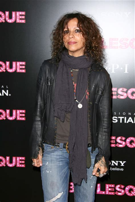 linda perry style linda perry pictures burlesque movie premiere red carpet