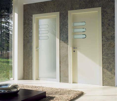 spazio porte porte battenti in legno e vetro spazio e logic
