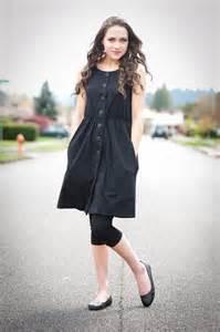 clackamas raised elaini garfield is wearing 1 dress 100