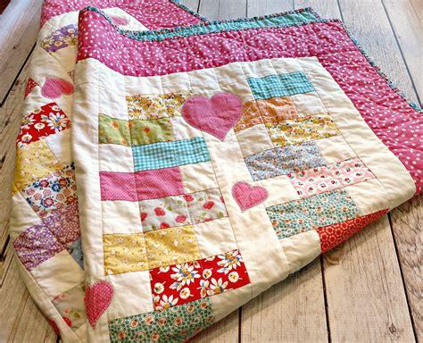 pattern for zipper quilt heart zipper quilt the cottage mama