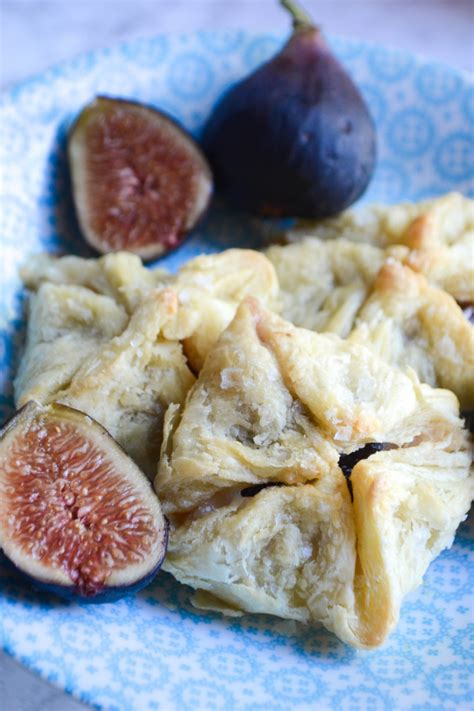 fig prosciutto  gruyere purses recipe  images