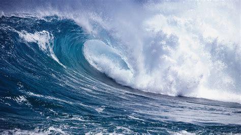 Crashing On The by Wave Crashing Desktop Wallpaper Wallpaperpixel