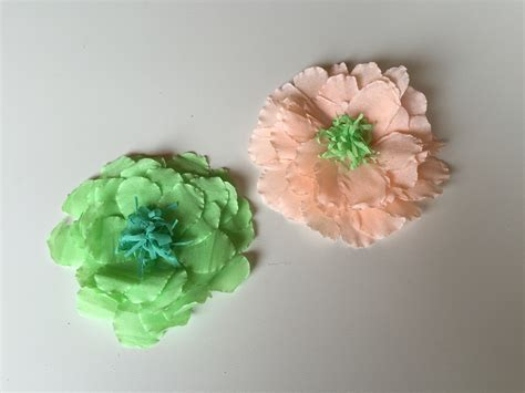 como hacer flores de papel crepe cositasconmesh como hacer una flor con papel crepe como hacer flores