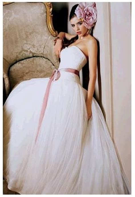 Vera Wang Wedding Dress With Purple Sash