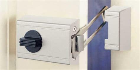 guide    choose   locks   doors