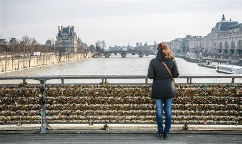 best things to see in paris 17 best free things to do in paris nina travels