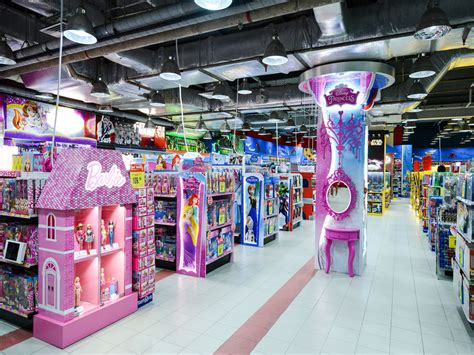 toys r us singapore new year opening hours paragon