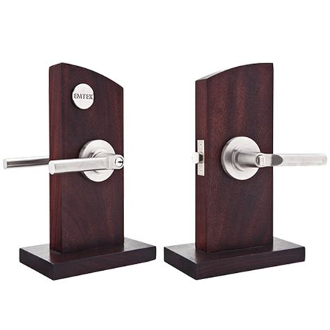 Cabinet Door Display Hardware Displays Door Hardware And Cabinet Hardware Emtek Products Inc
