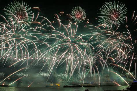 new year fireworks burswood 2015 s 2015 new year fireworks display metro uk
