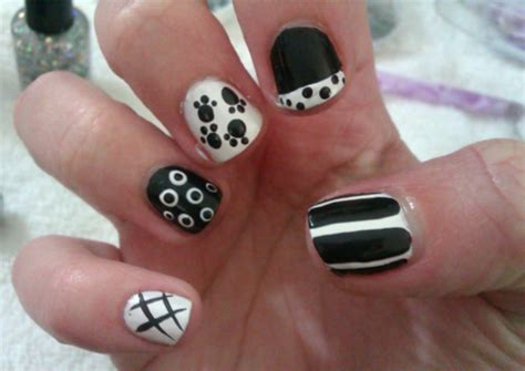 easy clean up nail art 25 simple nail art designs for beginners lifestylica