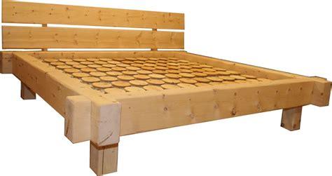 bett aus zirbenholz zirbenholz bett schon betten zirbe der schreinerei