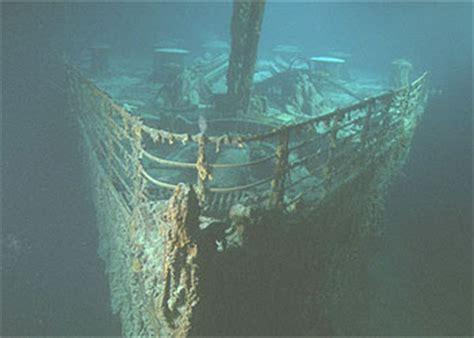 imagenes reales titanic fondo mar james cameron viaja a los restos del titanic en el fondo