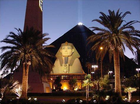 best hotel in luxor best 25 luxor hotel las vegas ideas on luxor