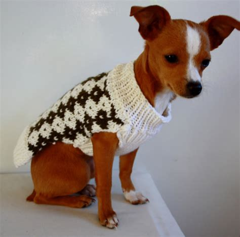 dog coat pattern for chihuahua small dog sweater knit white and brown diamonds pattern for