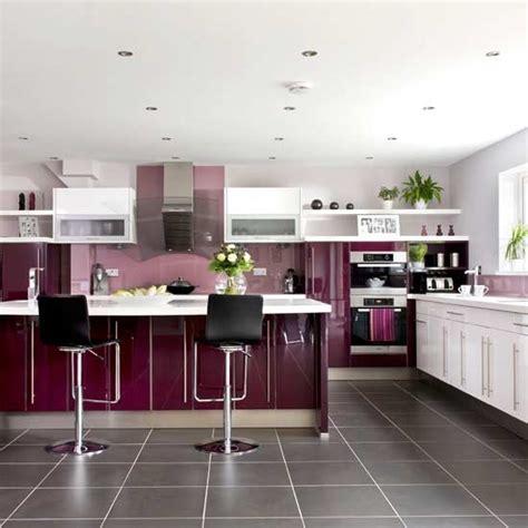 Americana Kitchen Island White - cocinas en colores modernos