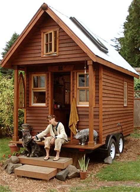 little house on wheels tiny houses